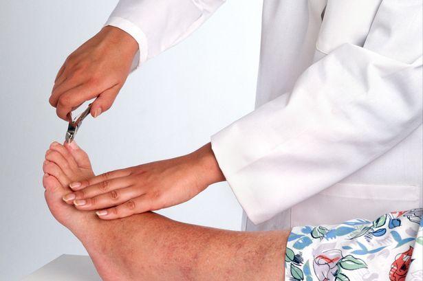 دکتر متخصص ناخن پا