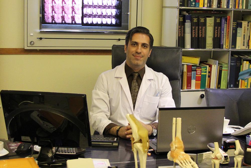 دکتر رضا نادری
