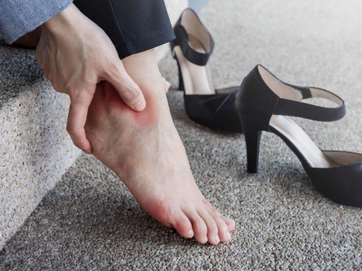 ویژگی های کفش تنگ